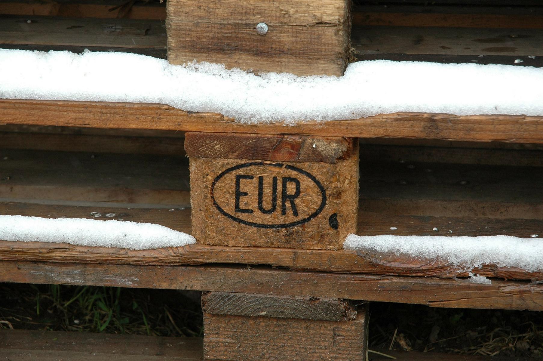 europalette-europaletten-palettenmoebel-moebel-aus-europaletten-1