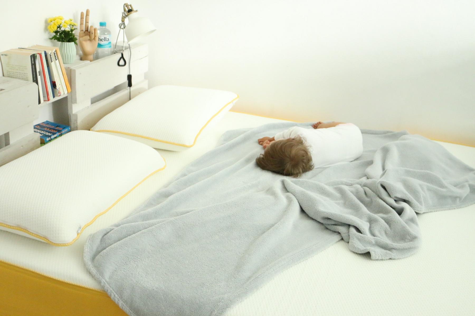 Eve Matratzen Test - Bett aus Europaletten