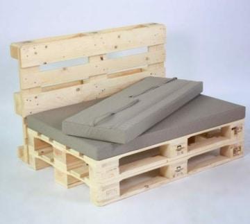 Palettenlounge aus Europaletten mit Kissen-Set