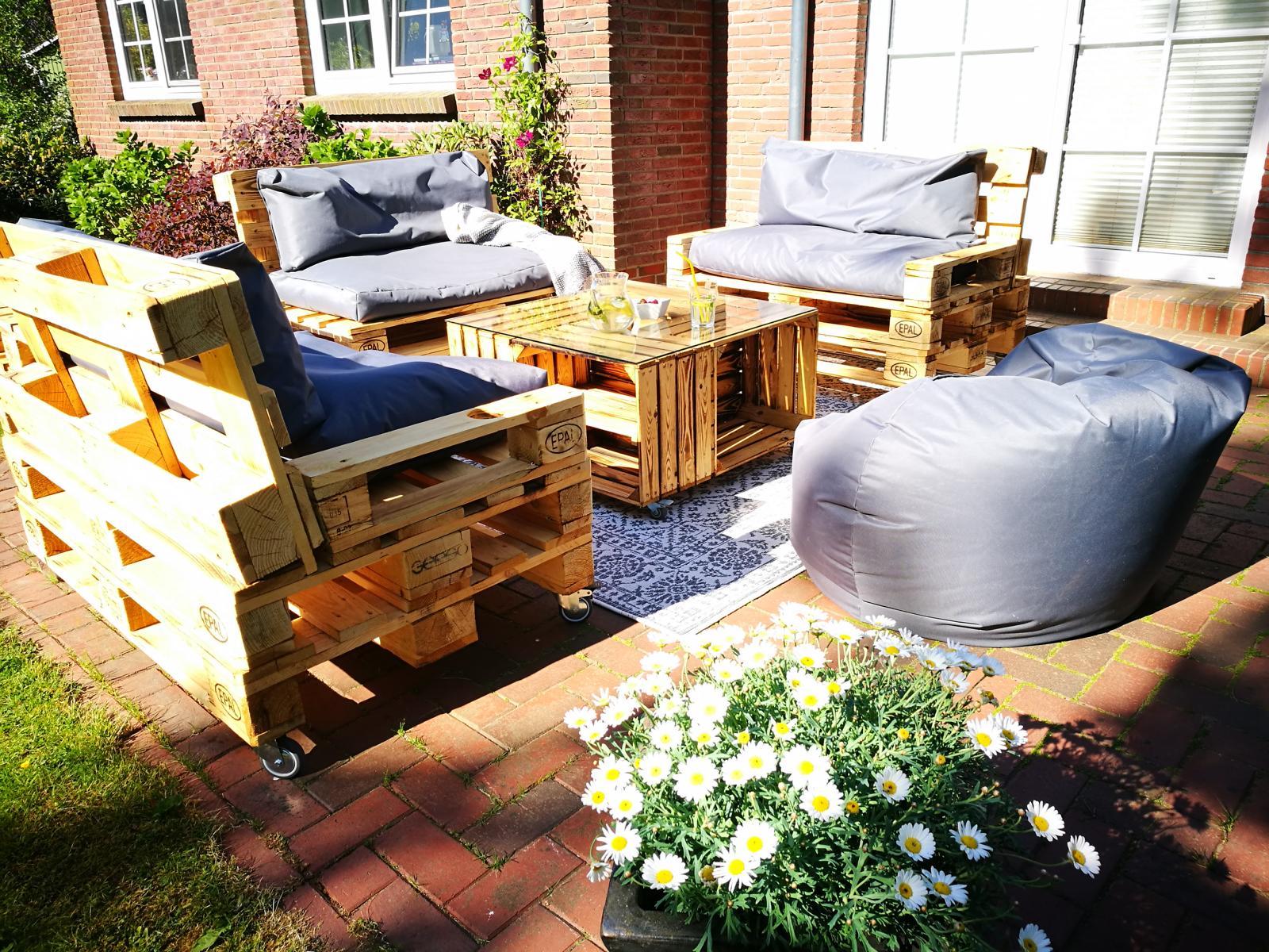 gartenmoebel-sofa-terrasse