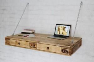 Schreibtisch-aus-Europaletten-Palettenmöbel-1