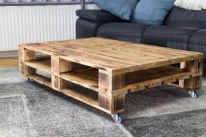 Tisch-aus-Europaletten-Palettenmöbel-Paletten-1