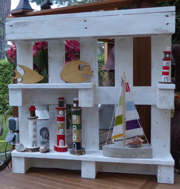 paletten kleiderschrank b cherregal aus europaletten. Black Bedroom Furniture Sets. Home Design Ideas