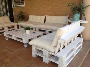 Gartenlounge aus Paletten- Palettenmöbel selber bauen