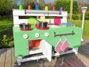 Küche aus Paletten-Kinder-Garten Bauanleitung