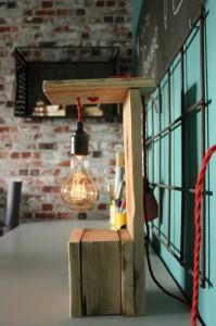 Lampe-aus-Paletten-Europaletten Möbel Vintage