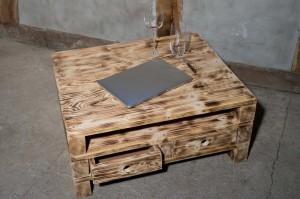 Nachttisch und Beistelltisch aus Europaletten selber bauen