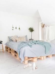 Palettenbett selber bauen- Bett