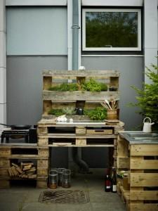 Palettenregal-Gartenmöbel bauen