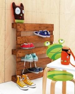 Schuhregal-aus-Paletten bauen