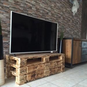 Sideboard- TV Tisch aus Europaletten- Palettenmöbel Ideen