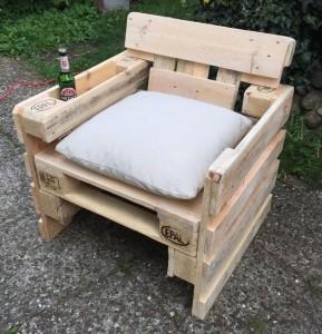 Stuhl-Sessel aus Paletten-Palettenmöbel